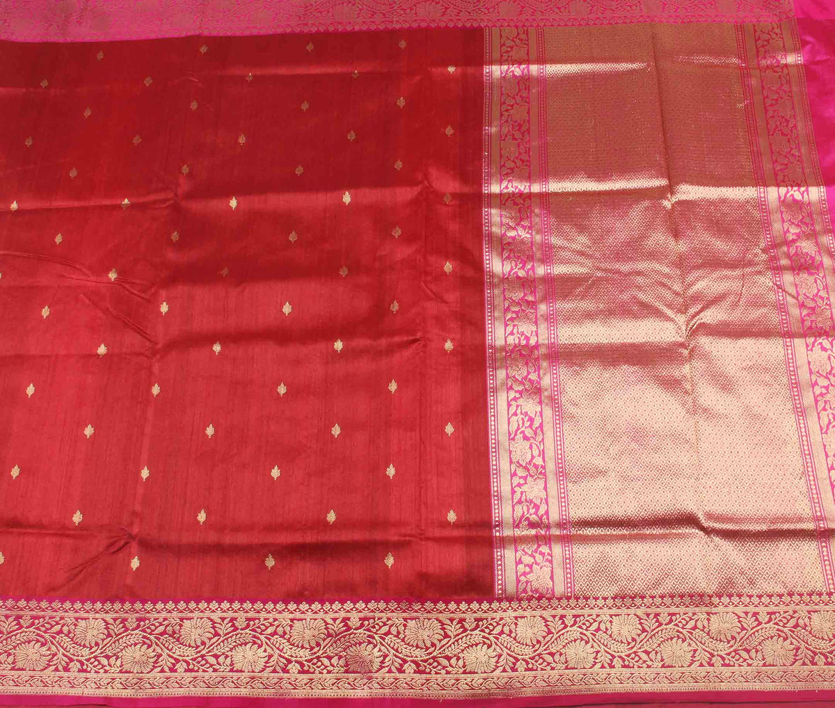 Red Tussar Silk Handwoven Banarasi Saree with mini leaf motifs (2) flat