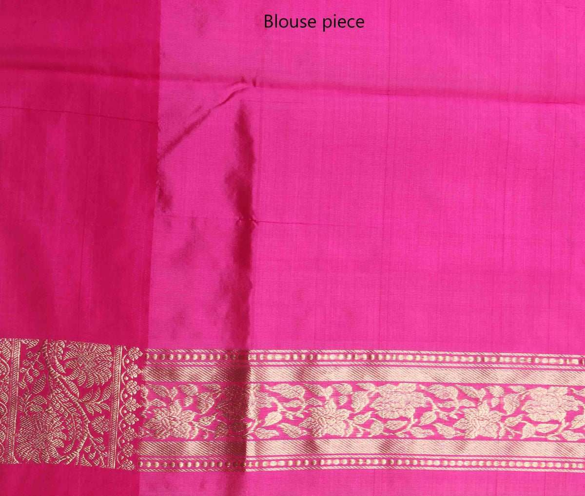 Red Tussar Silk Handwoven Banarasi Saree with mini leaf motifs (4) blouse