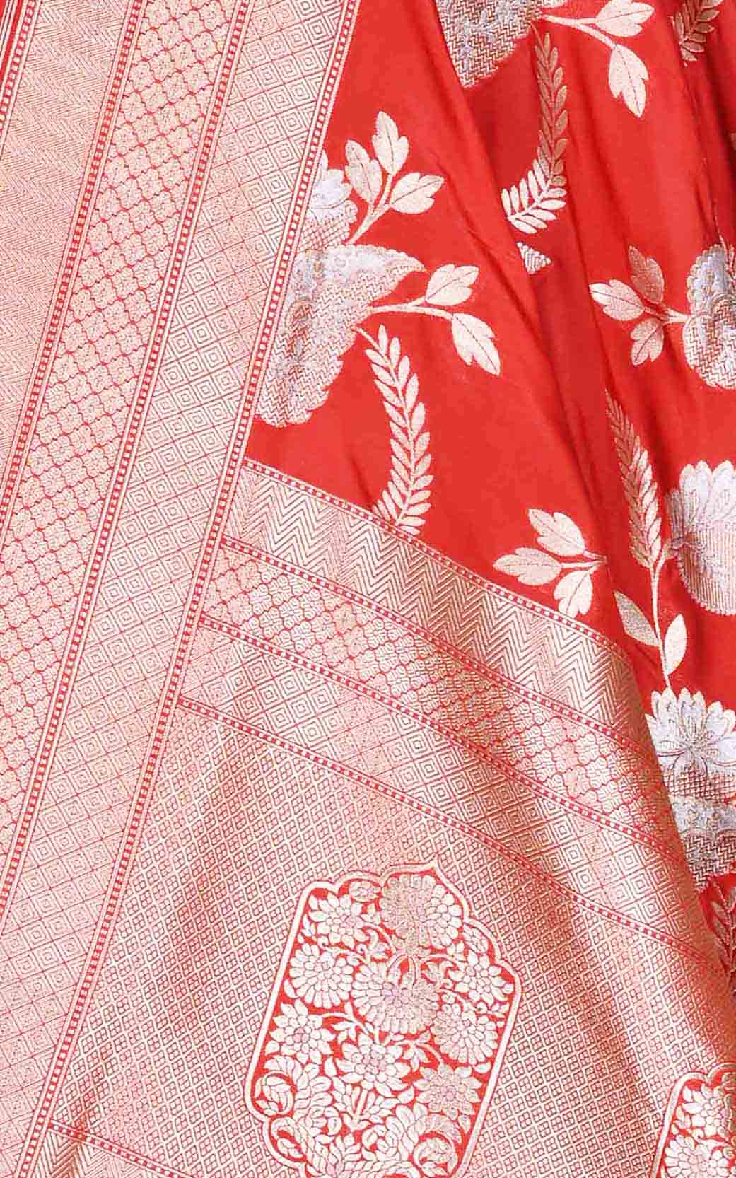 Red katan silk Banarasi dupatta with stylized sona rupa jaal (2) Close up