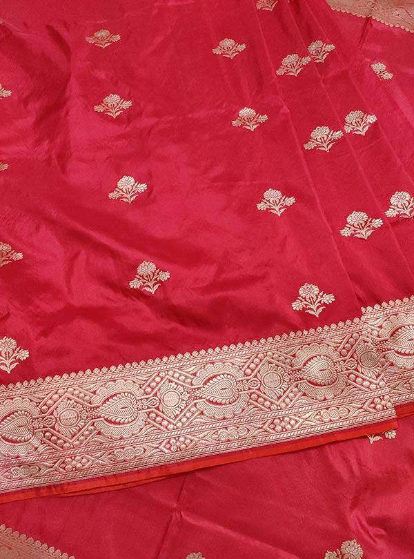 Red katan silk Banarasi saree with alfi flower boota (3) center