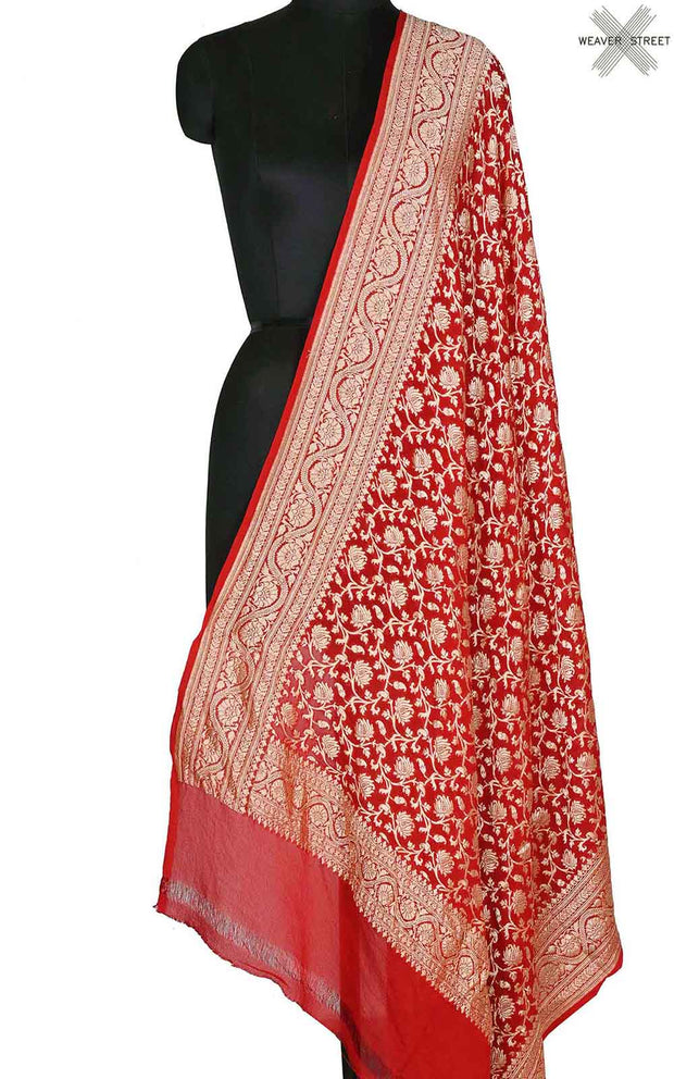 Red khaddi georgette Banarasi dupatta with delicate floral jaal (1) Main