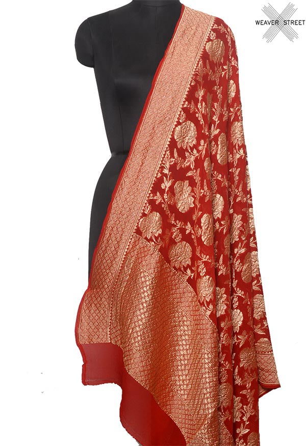 Red khaddi georgette Banarasi dupatta with flower jaal (1) Main