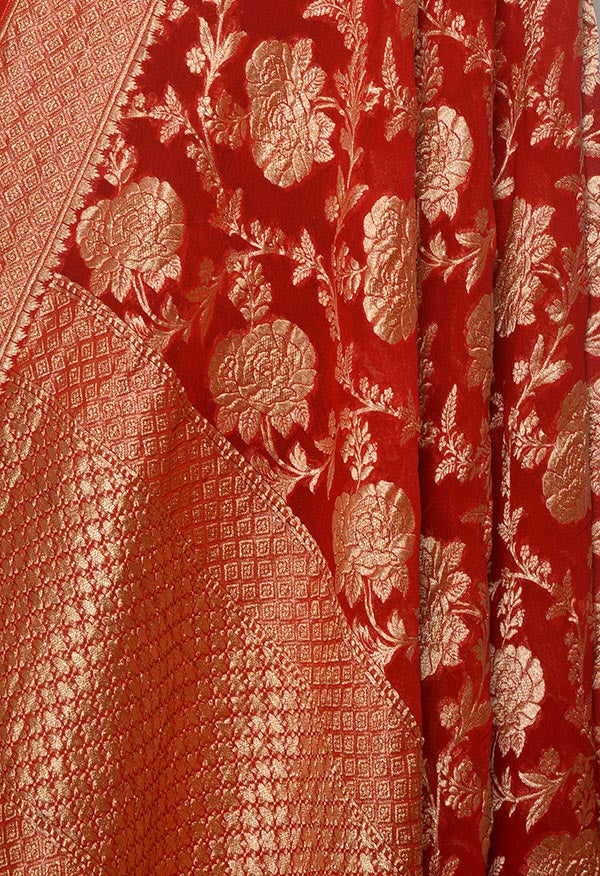 Red khaddi georgette Banarasi dupatta with flower jaal (2) Close up