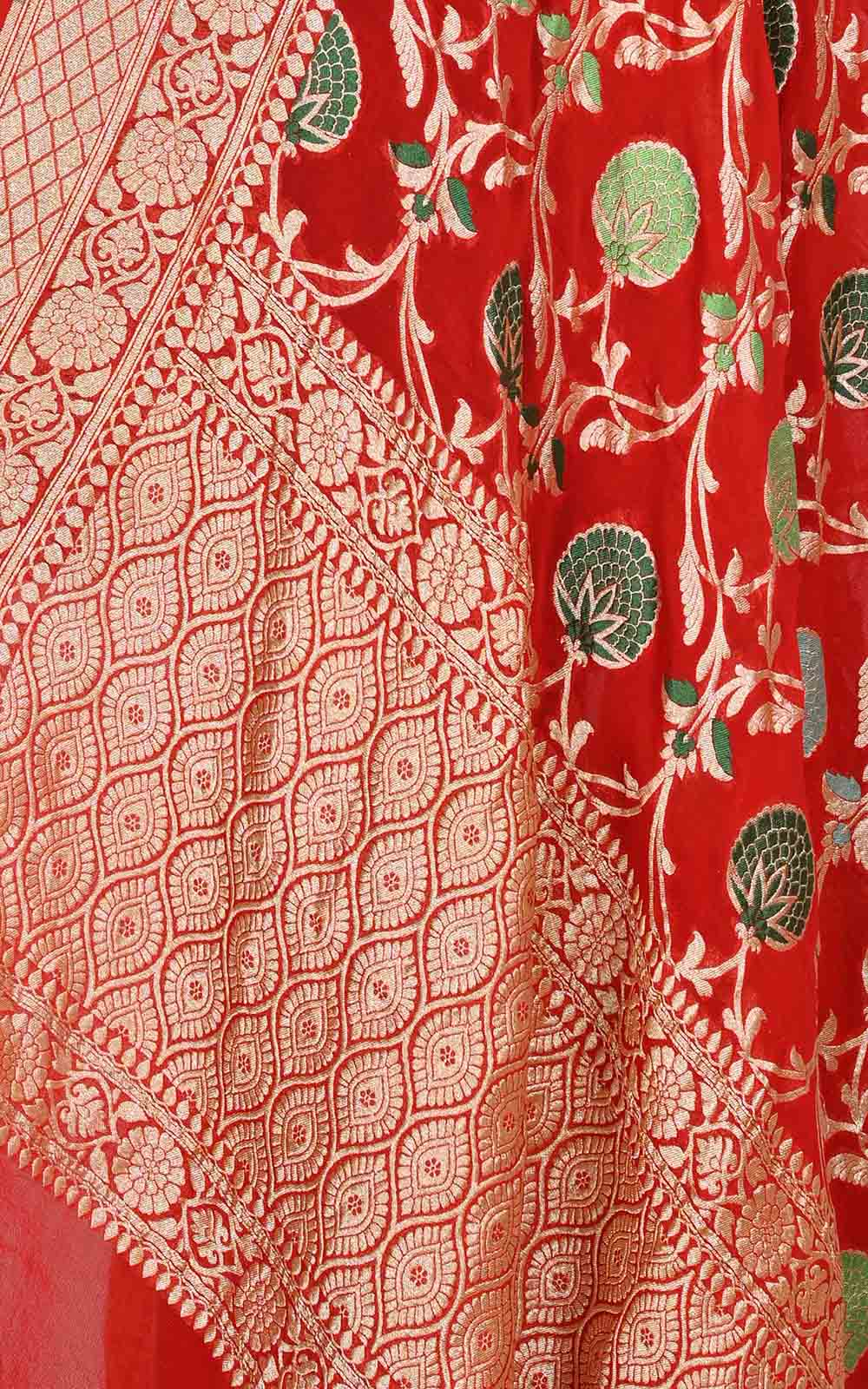 Red khaddi georgette Banarasi dupatta with meenedar floral jaal (2) Close up