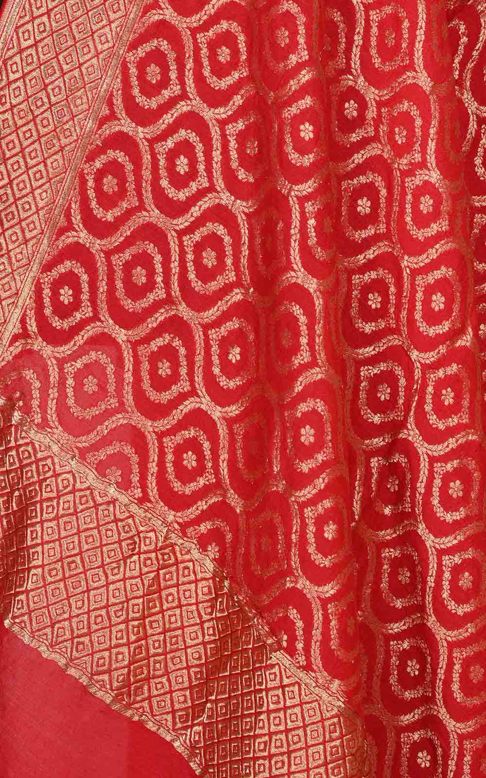 Red muga silk Banarasi dupatta with ogee jaal (2) Close up