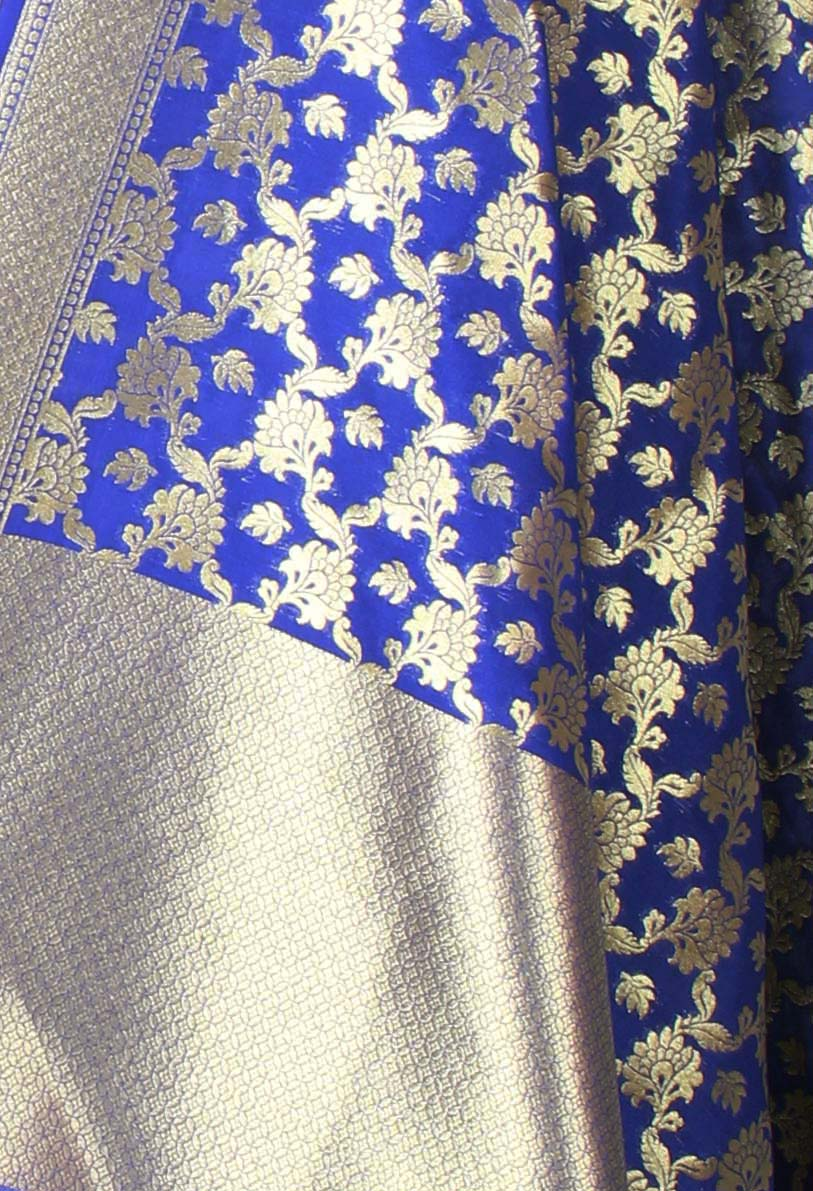 Royal Blue Banarasi dupatta with leaf motifs inside flower jaal (2) closeup