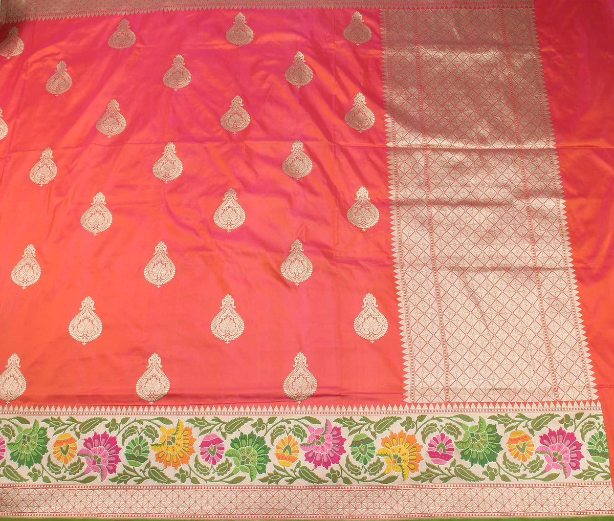 Salmon Katan Silk Handwoven Banarasi saree with stylized boota (2) flat