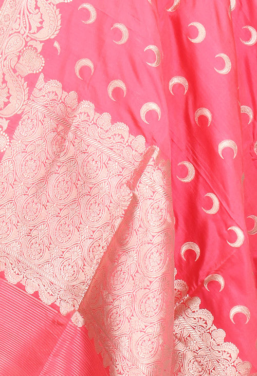 Strawberry red Katan silk handwoven Banarasi dupatta with chaand booti (2) closeup