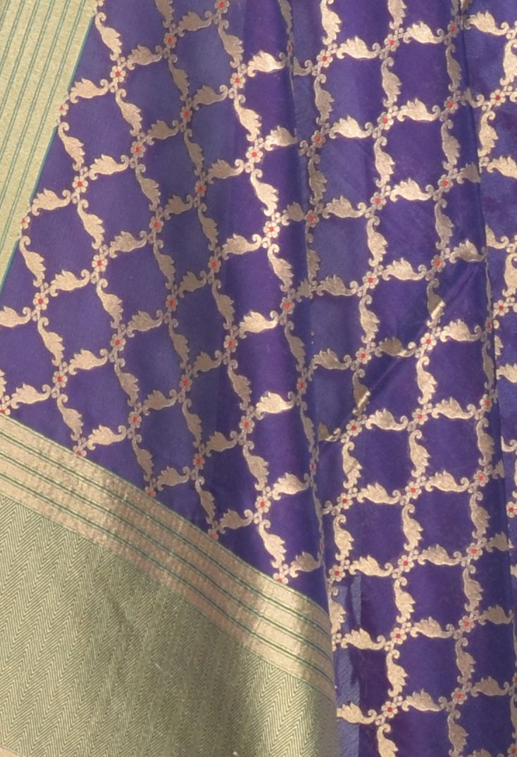Voilet Katan Silk Banarasi dupatta with meenedar stylized jaal (2) Close up