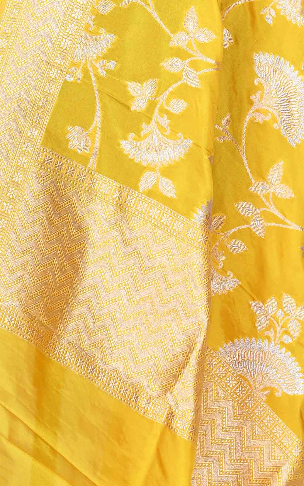 Yellow Katan silk Banarasi dupatta with elegant sona rupa floral jaal (2) Close up