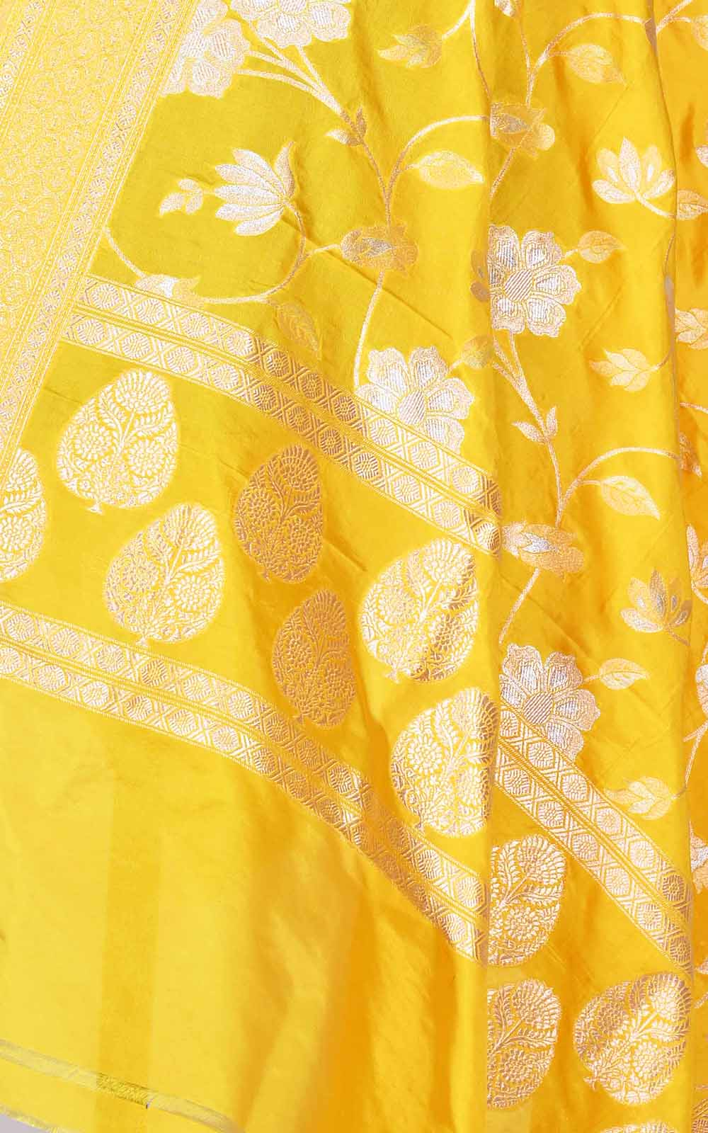Yellow Katan silk Banarasi dupatta with sona rupa flower jaal (2) Close up