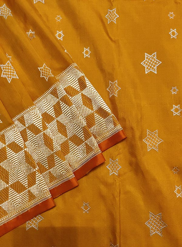 Yellow Katan silk handloom Banarasi saree with sona rupa star booti (2) close up