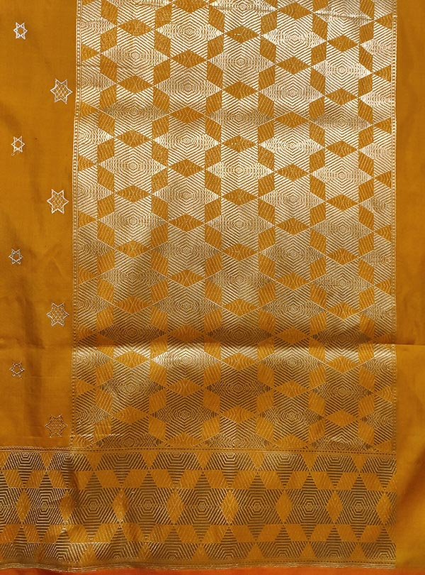 Yellow Katan silk handloom Banarasi saree with sona rupa star booti (4) anchal