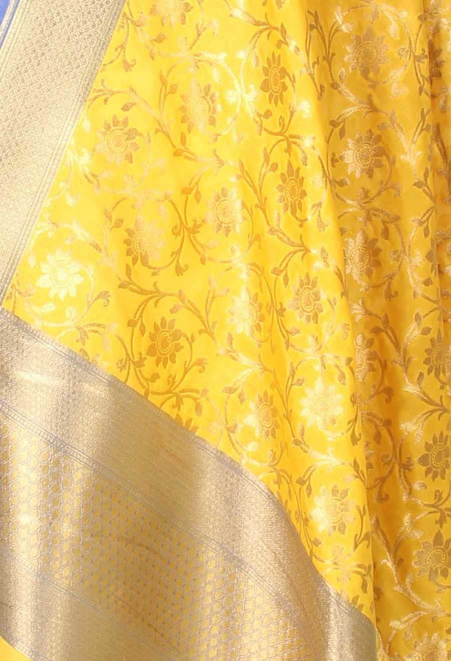 Yellow Banarasi dupatta with sunflower jaal (2) closeup