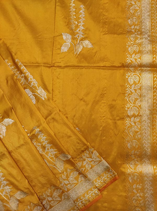 Yellow katan silk Banarasi saree with tulsi plant boota in sona rupa zari (2) close up
