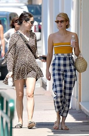 Emma Roberts carrying an Ulla Johnson bag in St, Tropez