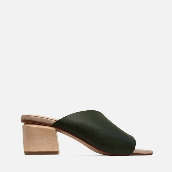 shop ethical sustainable & ethical clothing by R E V I E CABANA MULE // MOSS GREEN