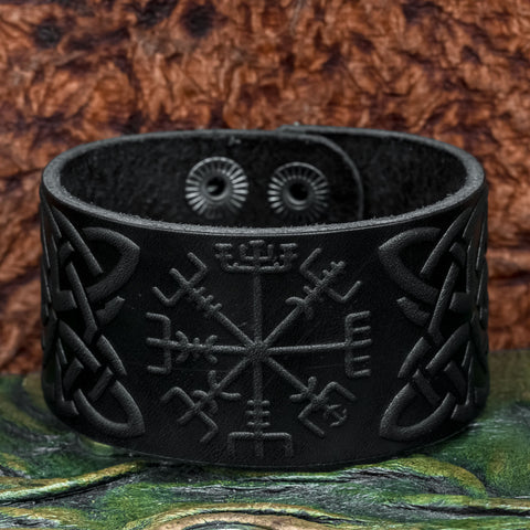 Black Vegvisir Leather cuff