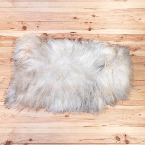 Nordic Sheepskin (white / cream / grey)