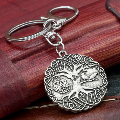 tree of life Yggdrasil keyring with Sleipnir Huginn and Muninn