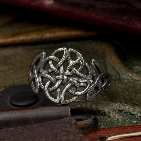 Sterling Silver Knotwork Ring (In stock)