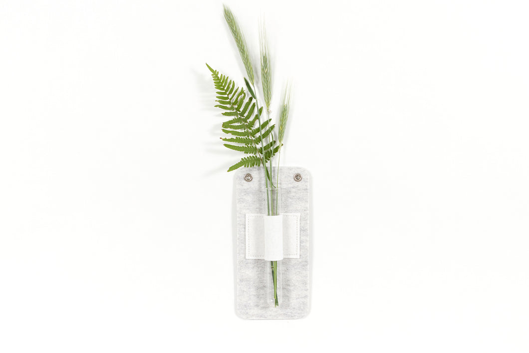 WALL MOUNTED STEM VASE