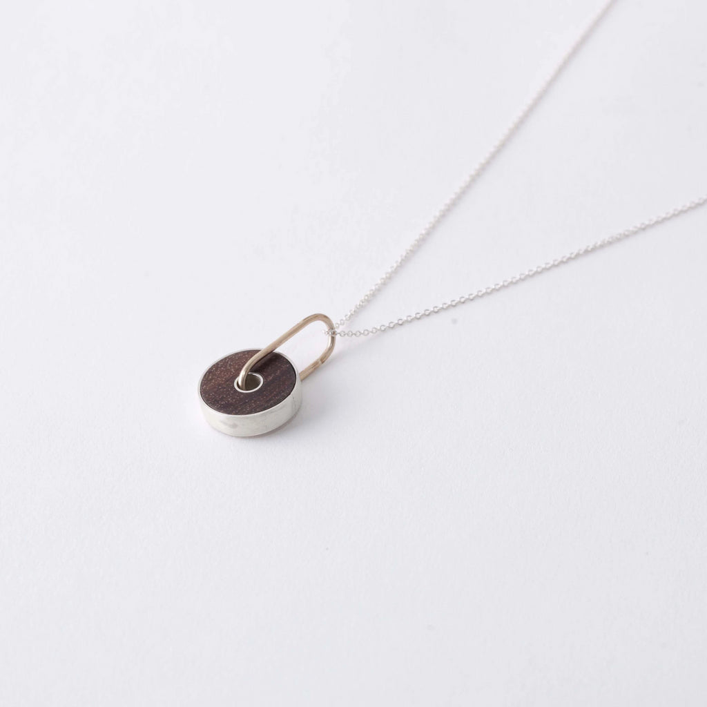 ROSEWOOD CIRCLE NECKLACE