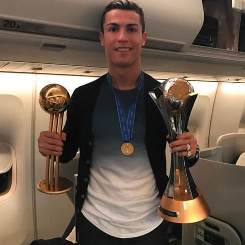 ronaldo wearing sik silk