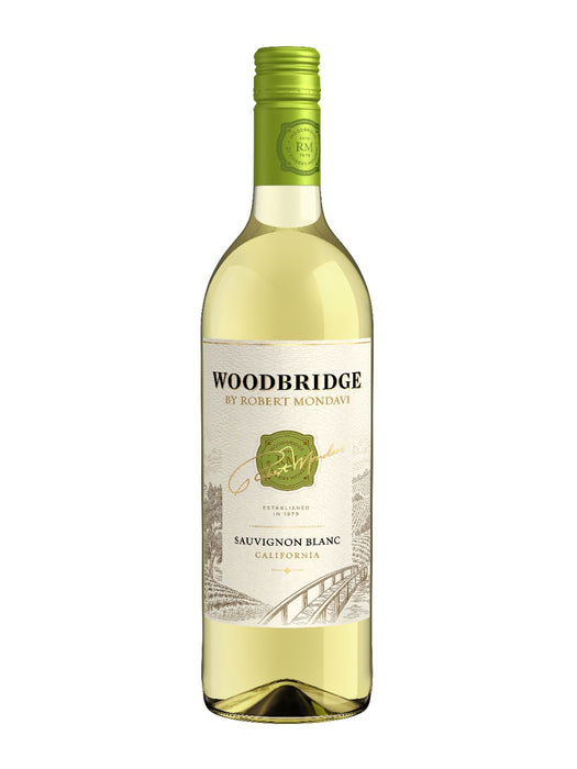 Woodbridge Sauvignon Blanc White Wine (750ml)