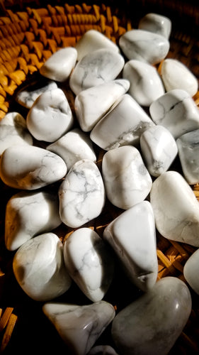 Howlite || Tumbled Stone || Calms Mind || Stress and Anger Reliever