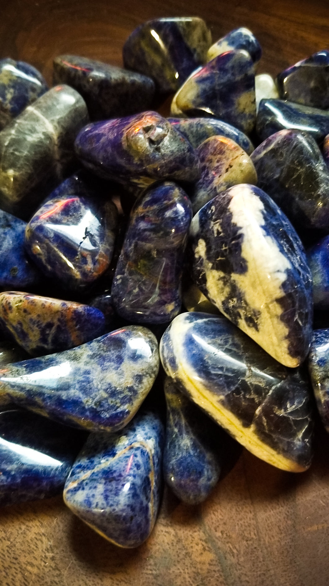 Sodalite Tumbled Crystal || Throat Chakra || Speak Your Truth