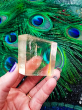 Shimmering Golden Ray Rainbow Calcite Cube || No B || Optical Calcite
