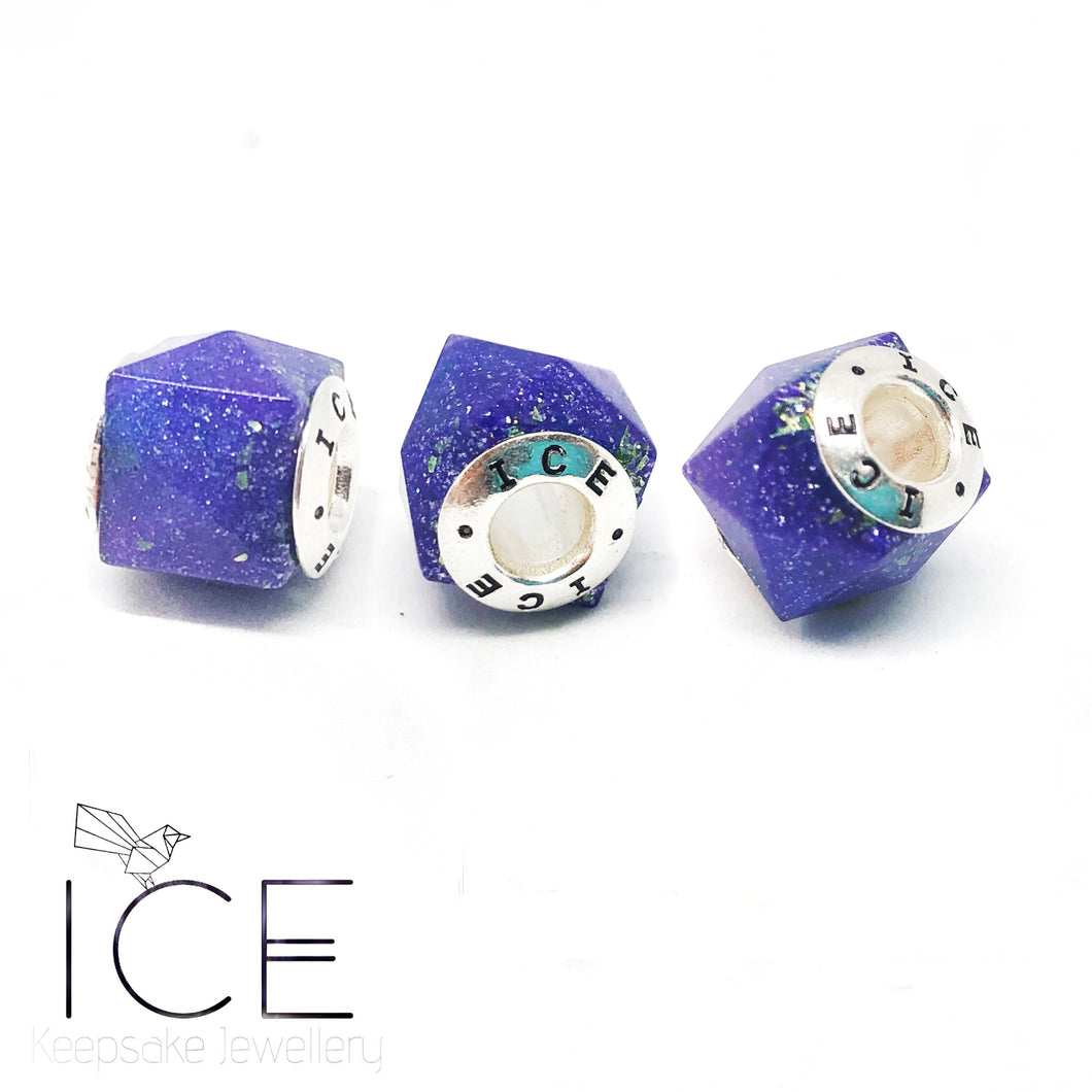 .Faceted Square Charm Bead.
