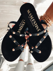 Sandalias Hawi color negro con estoperoles