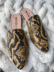 Mules Corso Camel Snake