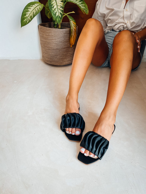 Izzie Sandals Black