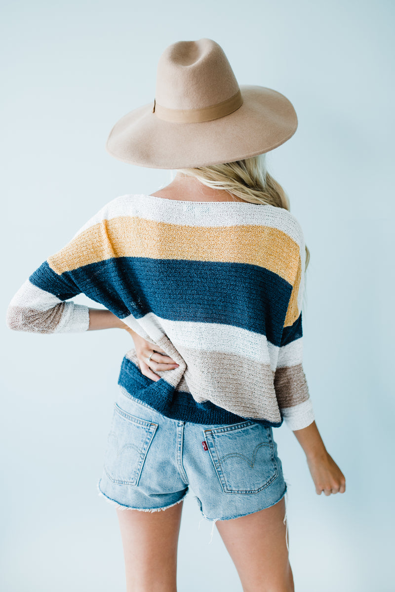 Knit pullover striped