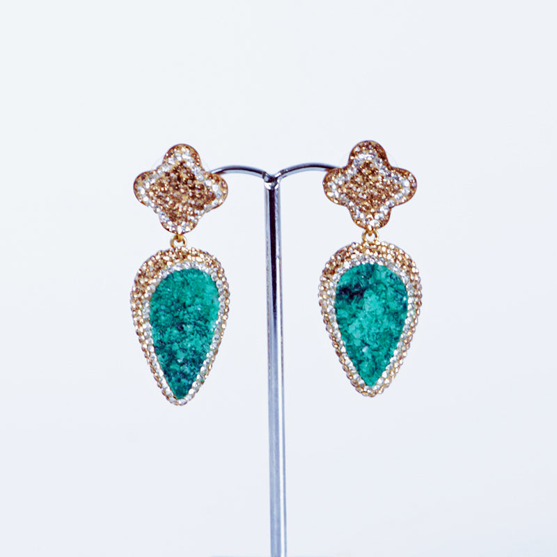 Tear drop Agate earings in Emerald