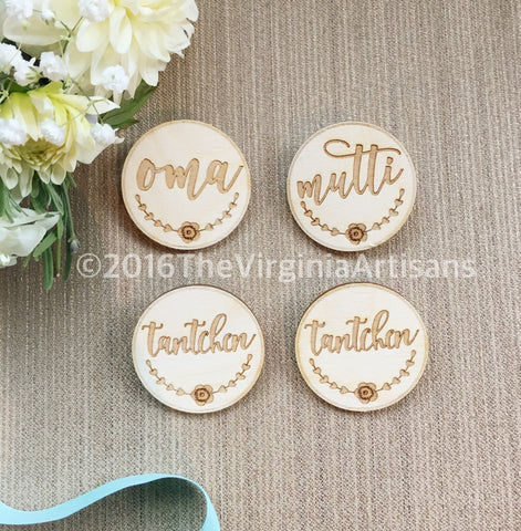 5 - Baby Shower Badges in German  - German - 1 - Oma -1 -Opa - 1 - Mutti - 2 - Tantchen