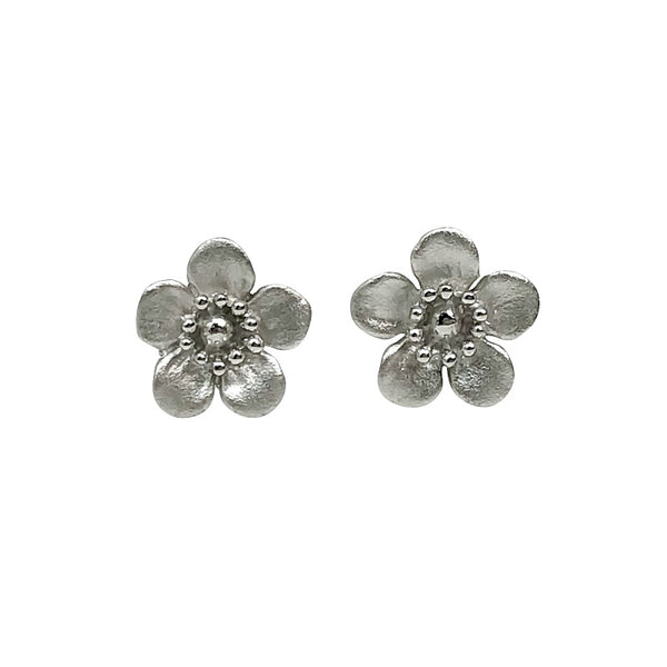 Manuka Flower Studs Matt Earrings