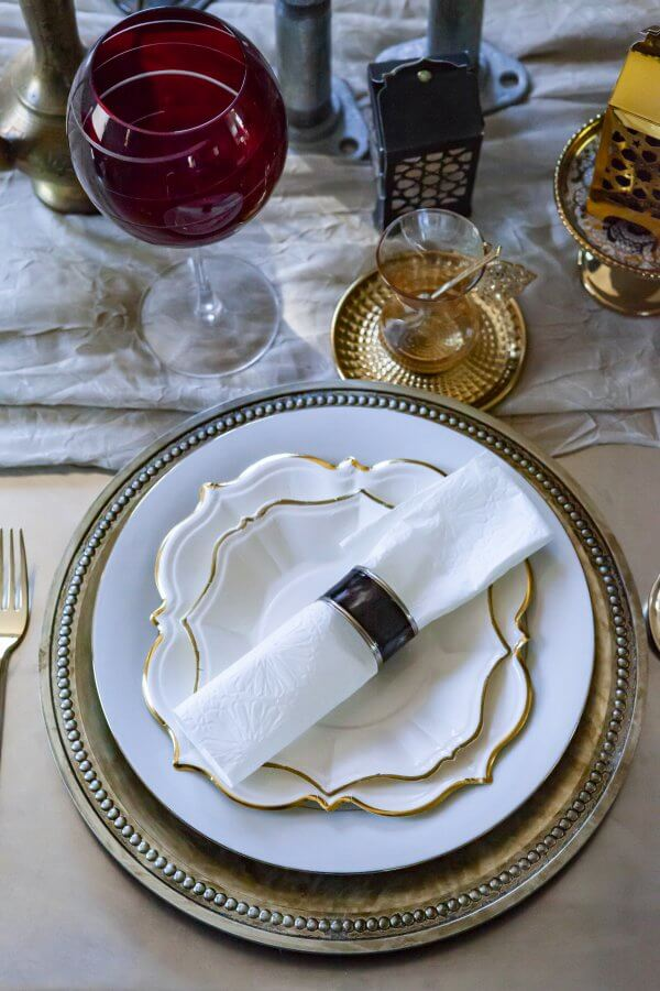 Marrakesh White Linen Embossed Dinner Napkins
