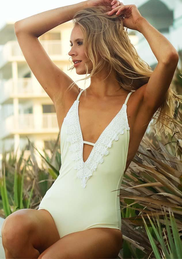 Lace Stitching Open Back One Piece Swimsuit | Edlpe