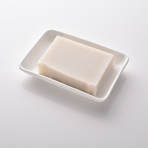 Fine bone rectangular china soap dish in white and handmade 100% pure, natural organic soap. Made in the UK. www.ellielane.com