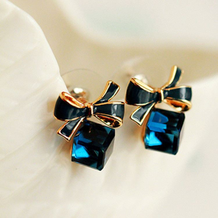 Crystal Gift Box Earring