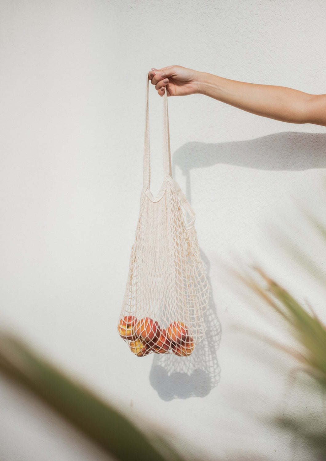 Avalyn & Lulu accessory net bag off-white swimwear collection
