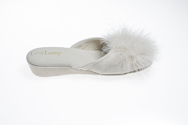 Line Loup, women, Marguerite, slipper, feathers, white, leather