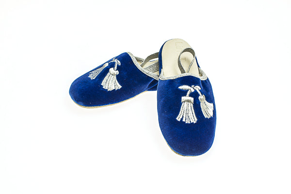 Gabriel, Line loup, velours, bleu royal, pompons, broderie en argent, enfants, mules, slippers, Collection Intemporelle