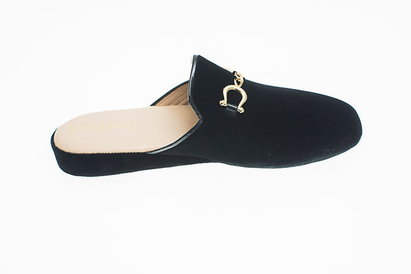 Jacqueline, mule for women in black velvet with golden bit - right side view