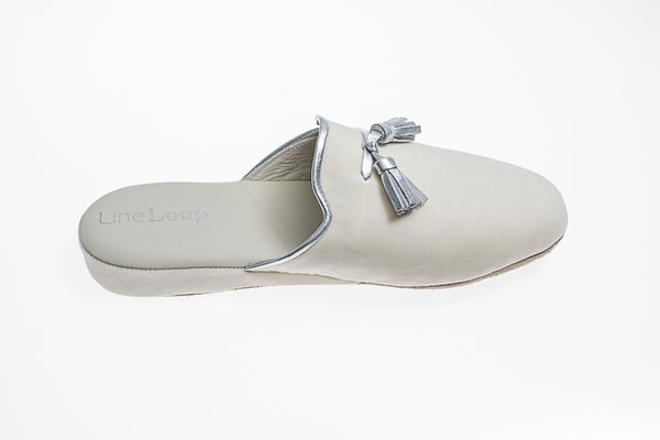 Caroline, mule for women in ivory velvet with silver tassels and topstitching - right side view