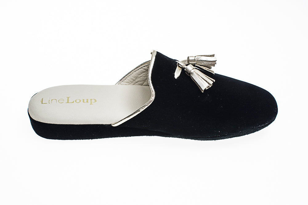 Caroline, mule for women in black velvet with silver tassels and topstitching - right side view